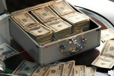 poker player getting rich.