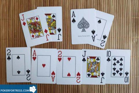 kedua pemain memiliki contoh full house